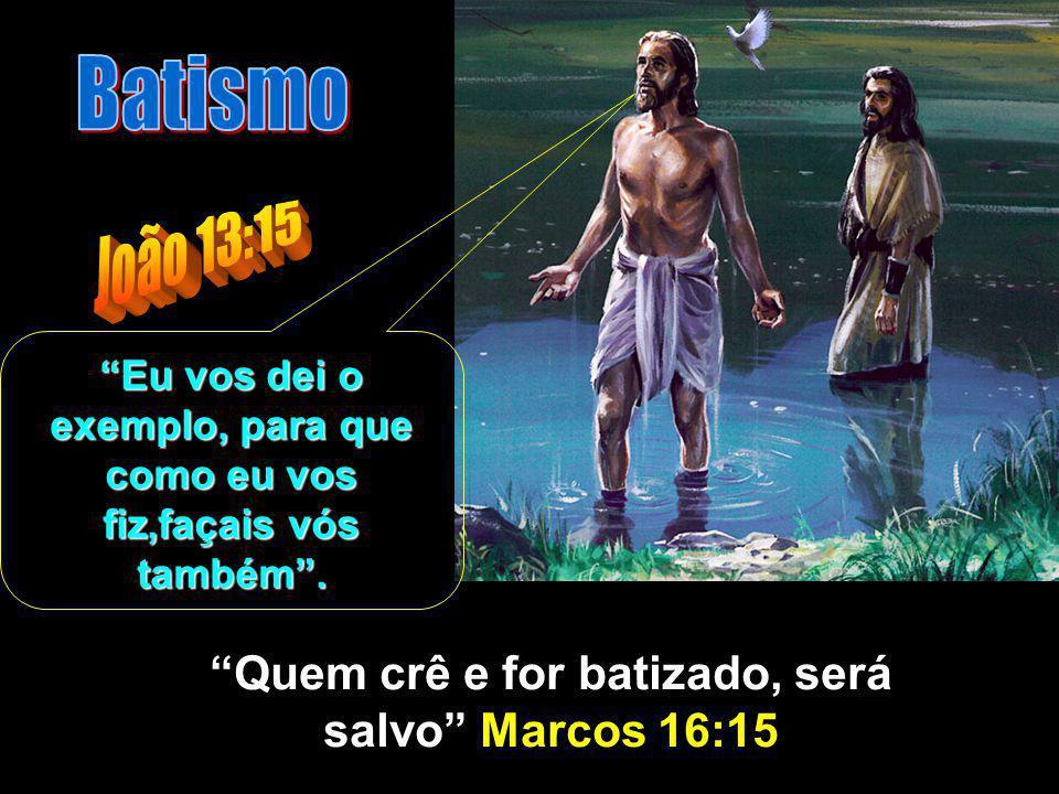 Depois deitou água na bacia e começou a lavar os pés aos discípulos, e a enxugar-lhos com a toalha com que estava cingido.