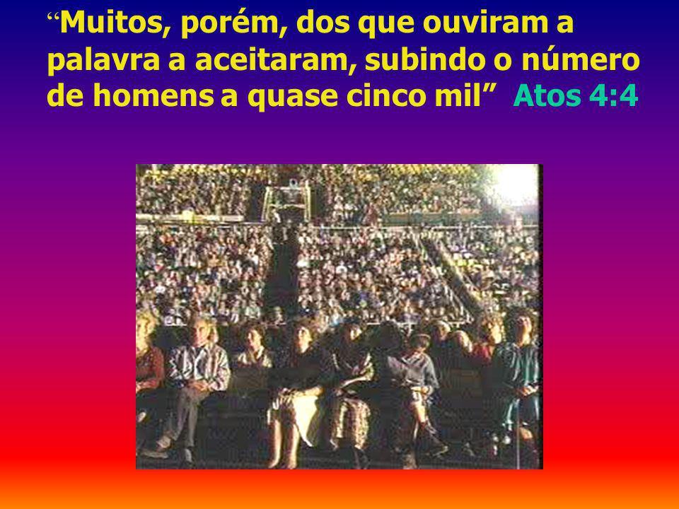 Então os que aceitaram a palavra foram batizados; havendo um acréscimo naquele dia de quase três mil pessoas Atos 2:41