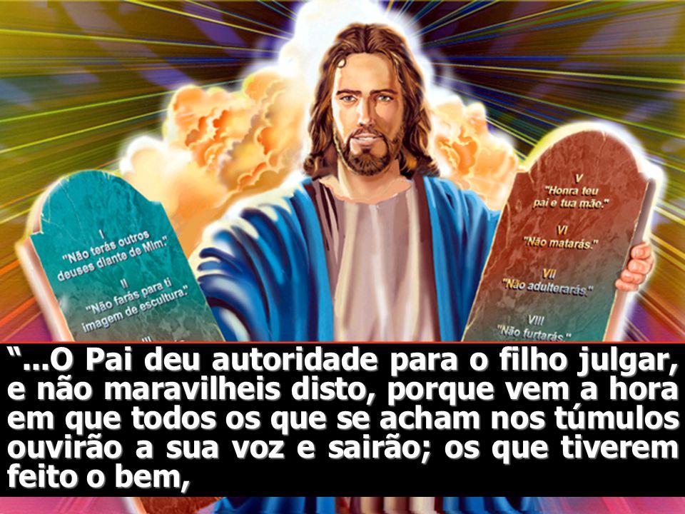 Daniel 7:9 e 10 Continuei olhando, até que foram postos uns tronos, e o Ancião de Dias se assentou; sua veste era branca como a neve, e os seus cabelo
