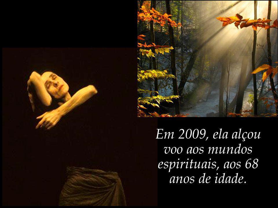 Pina dedicou sua vida à dança, enriquecendo-a com apaixonada doação e sensibilidade.