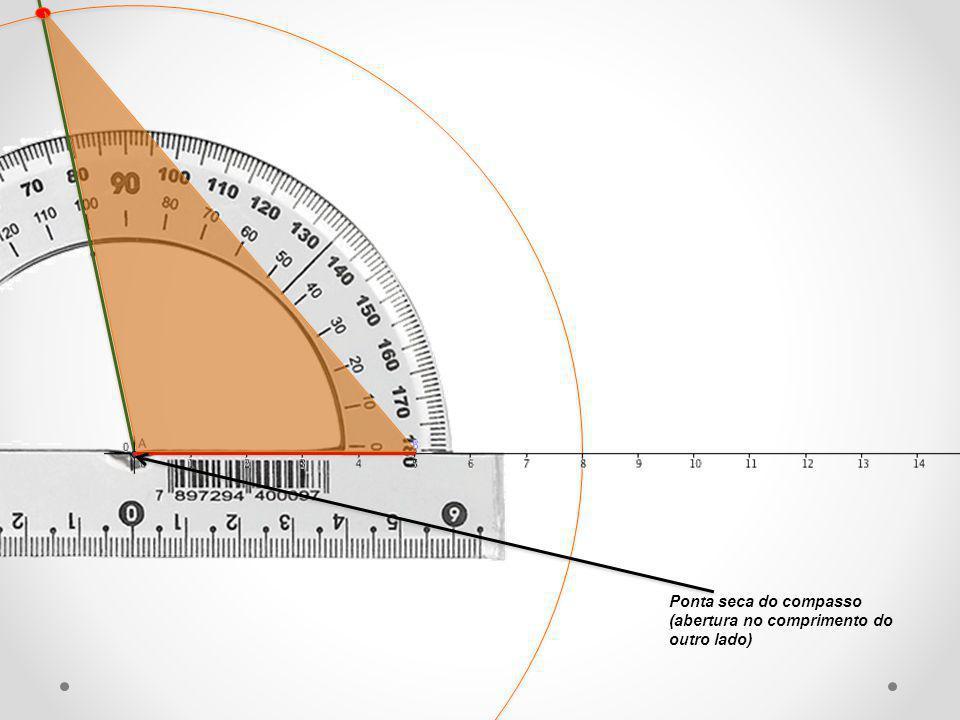 Construa um triângulo retângulo com um cateto medindo 9 cm e uma hipotenusa de 12 cm.