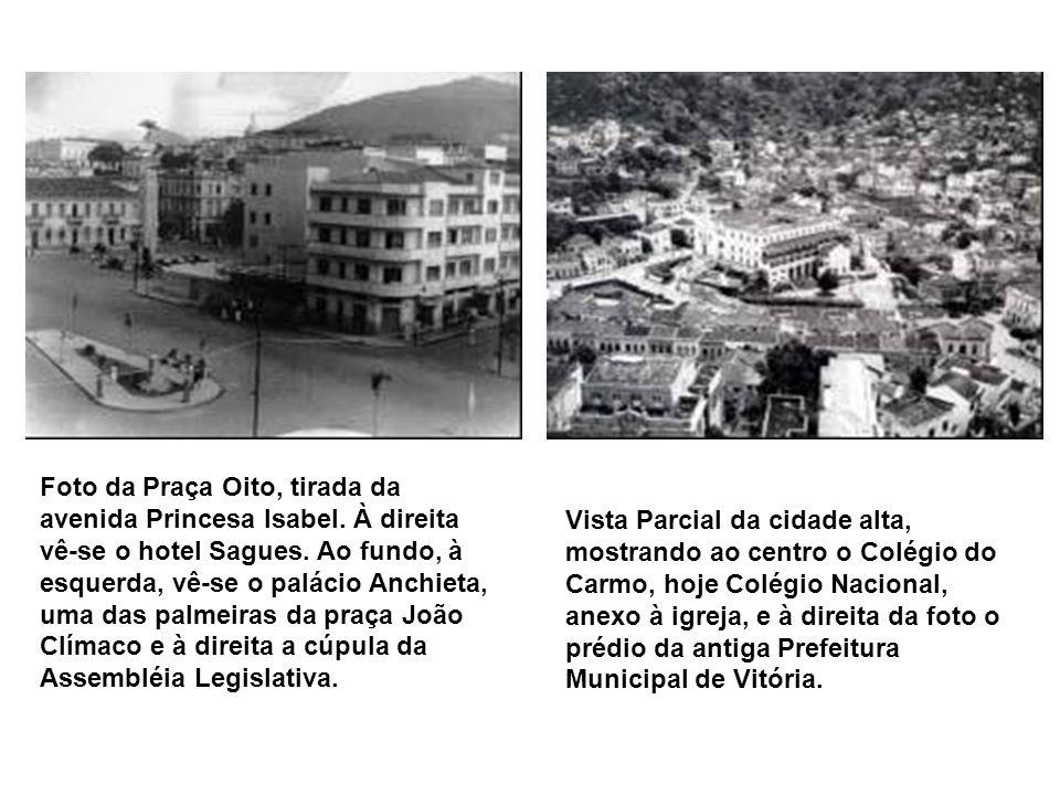 Visão aérea da construção do aterro da Esplanada Capixaba na década de 1950. Vê-se a cúpula do edifício Glória, que era um hotel na época e ao fundo a