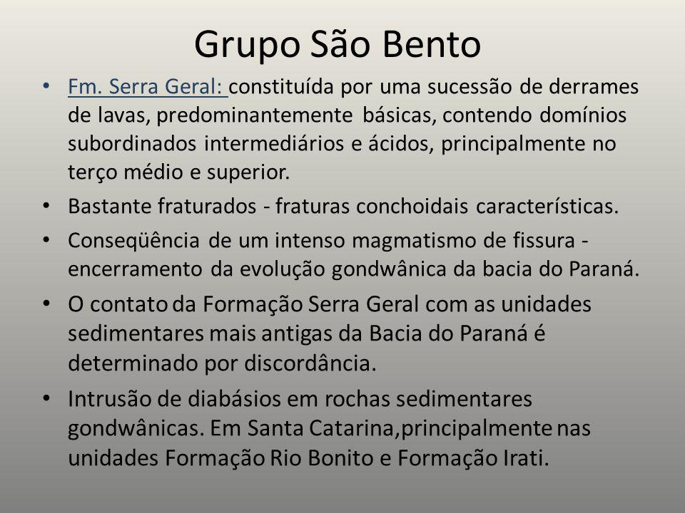 Grupo São Bento Fm. Serra Geral: constituída por uma sucessão de derrames de lavas, predominantemente básicas, contendo domínios subordinados intermed