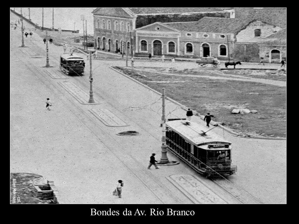 Bonde elétrico inglês na Ponte Buarque de Macedo, postal de 08 de setembro de 1916.
