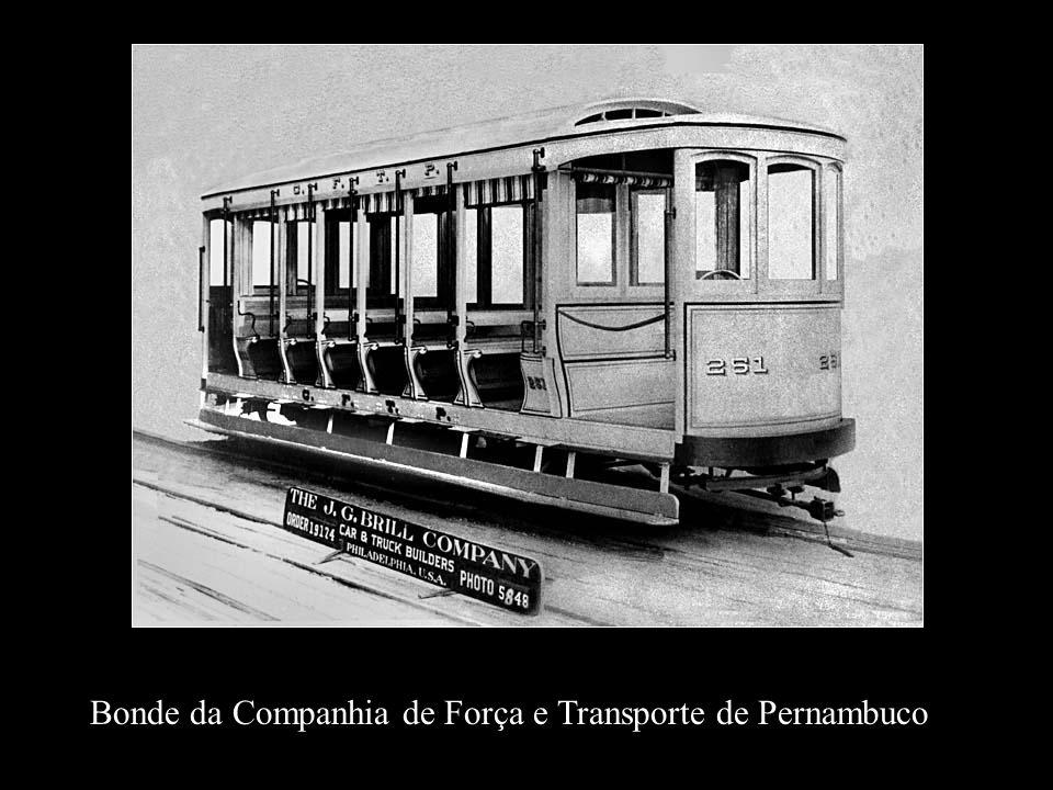 Bonde J.G.Brill (USA) encomenda de 30 carros da Pernambuco Tramways. Os recifenses apelidaram de Caixa de Fósforo.