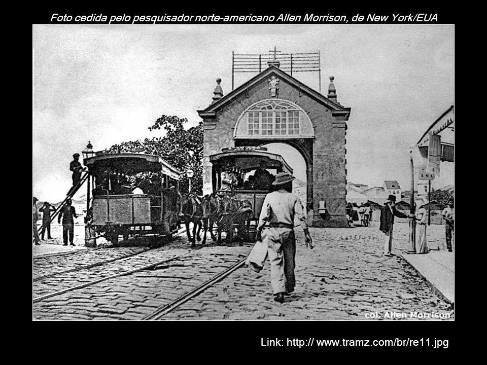 Recife/Pernambuco Recife, capital do estado de Pernambuco, foi visitada em 11 de dezembro de 1928 pelo escritor brasileiro Mário de Andrade (1893-1945