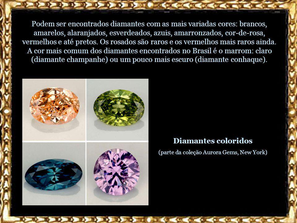Podem ser encontrados diamantes com as mais variadas cores: brancos, amarelos, alaranjados, esverdeados, azuis, amarronzados, cor-de-rosa, vermelhos e até pretos.