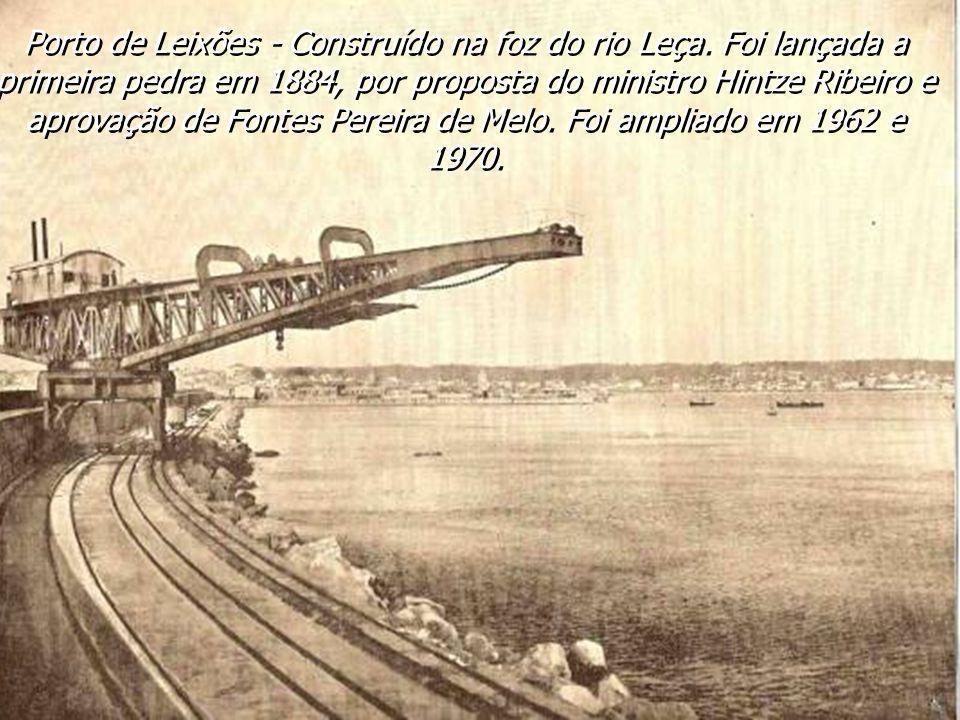 Foz do rio Douro e vista parcial de Massarelos