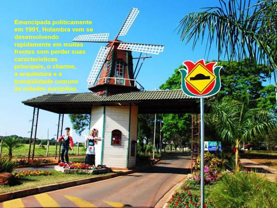 Sua vocação turística se dá também em razão da forte influência da cultura holandesa na comunidade local, que recebeu a partir de 1948 diversos grupos de imigrantes holandeses.