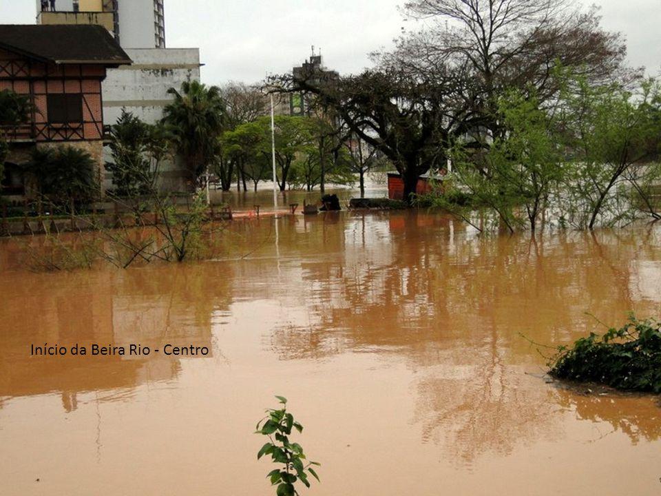 Blumenau 08/09/2011-09/09/2011 Enchente Início da Beira Rio - Centro