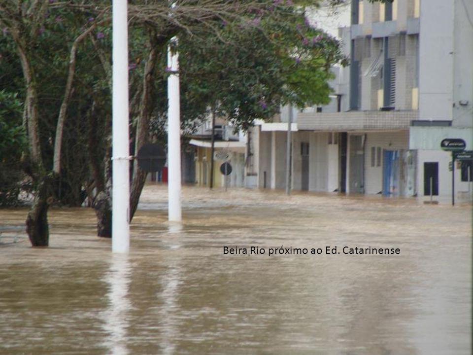 Beira Rio próximo ao Ed. Catarinense