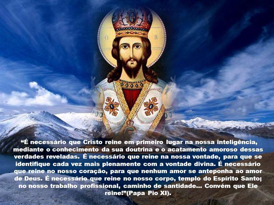 Cristo é chamado a dirigir o povo de Deus, a ser seu condutor; sua realeza é de origem divina e tem o primado sobre tudo, porque nele o Pai pôs a plen