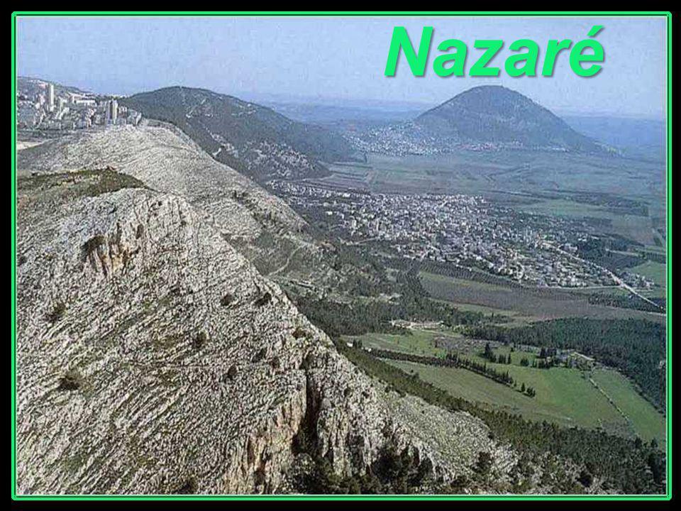 Caná, atual Kefr-Kenna ou Kfar Kana. Pequena aldeia, a uns seis km ao norte de Nazaré.