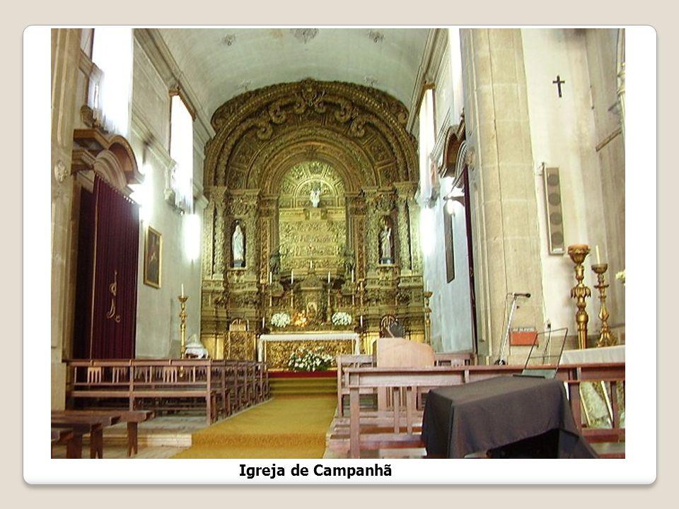 Igreja de Campanhã Foi edificada no séc. XVIII, em 1714, aparecendo ligada à construção do Palácio do Freixo, sendo a Igreja Paroquial do Palácio. Pos