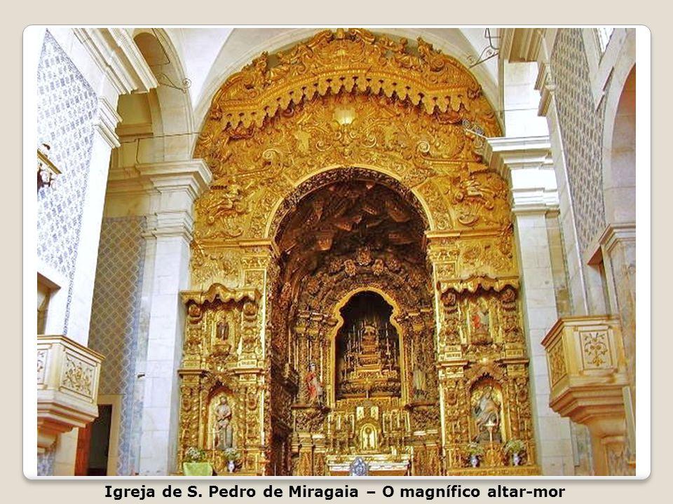 Igreja de S. Pedro de Miragaia Largo de S. Pedro Miragaia – Perto da Alfândega do Porto Igreja de São Pedro de Miragaia Está localizada na freguesia d