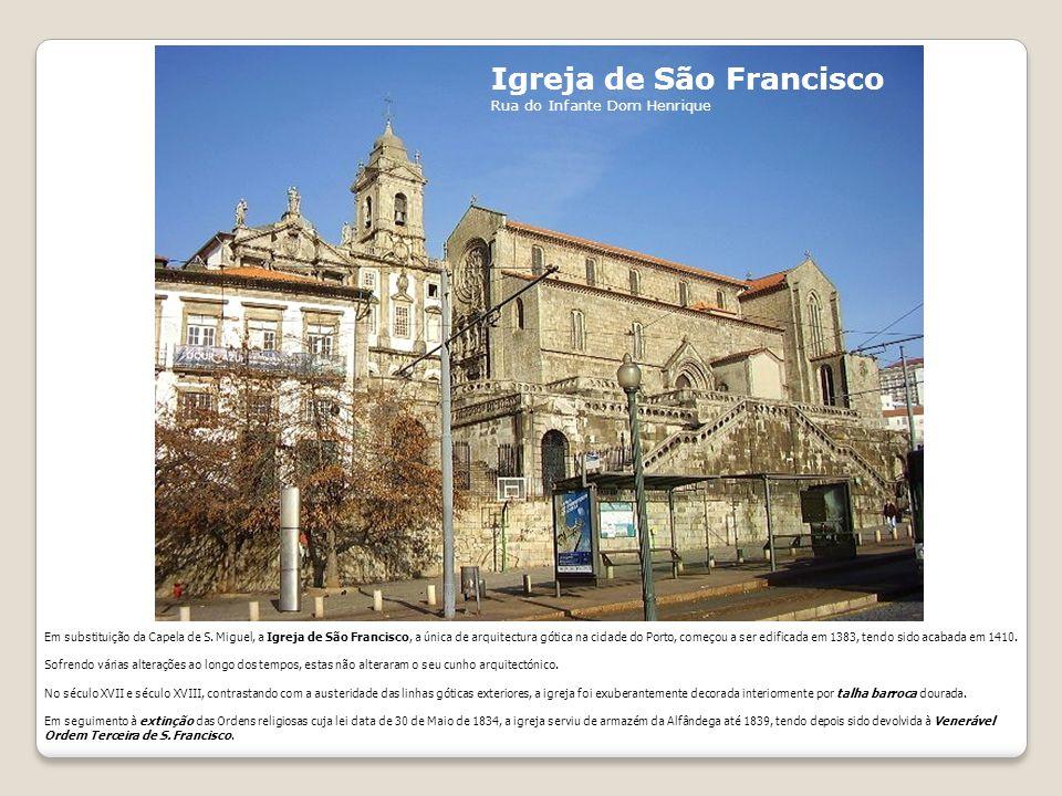 Igreja de Paranhos A Igreja Matriz de Paranhos data de pelo menos 1.123, se não for mais antiga, pois 1.123 é apenas a primeira referência documental, nada inviabiliza uma existência mais remota.