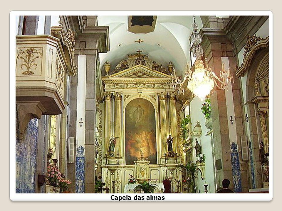 Capela das Almas A sua construção data dos princípios do séc. XVIII. A capela tem dois corpos, sendo o segundo mais baixo, e sofreu obras de ampliação