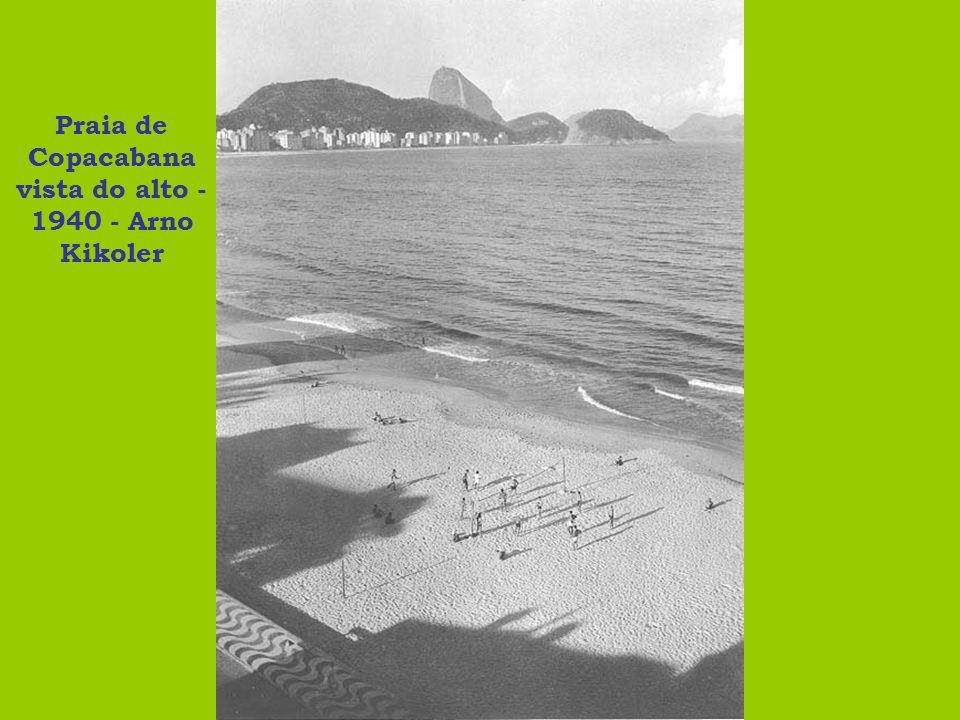 Praia de Copacabana vista do alto - 1940 - Arno Kikoler