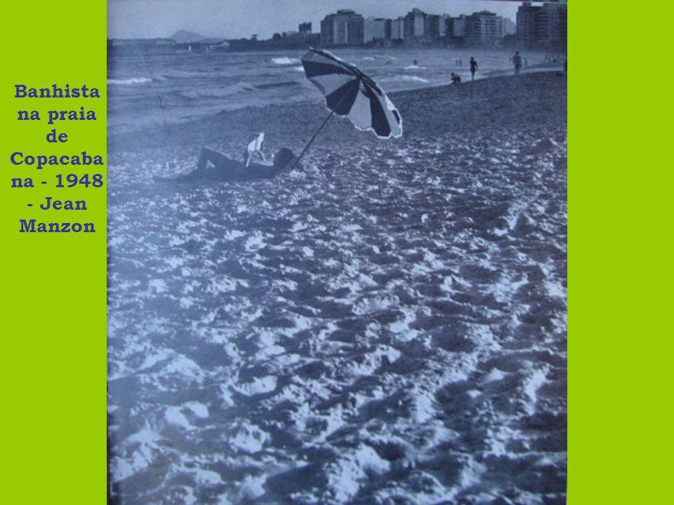 Banhista na praia de Copacaba na - 1948 - Jean Manzon