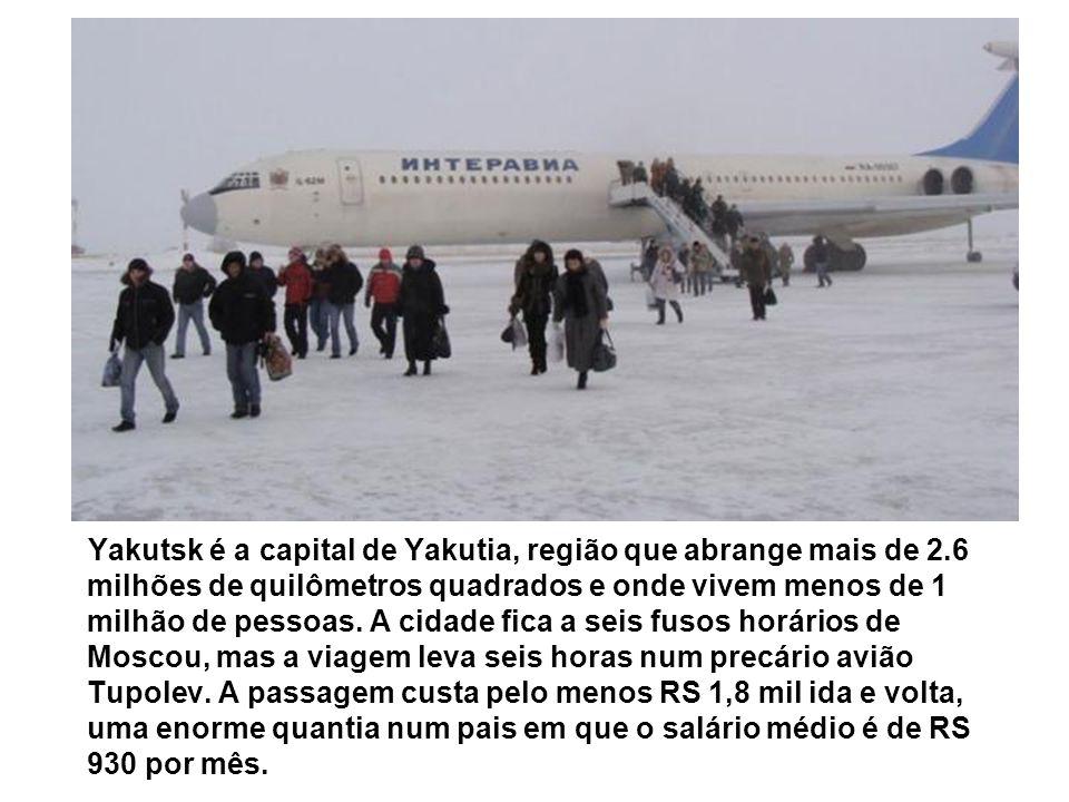 Yakutsk é a capital de Yakutia, região que abrange mais de 2.6 milhões de quilômetros quadrados e onde vivem menos de 1 milhão de pessoas. A cidade fi