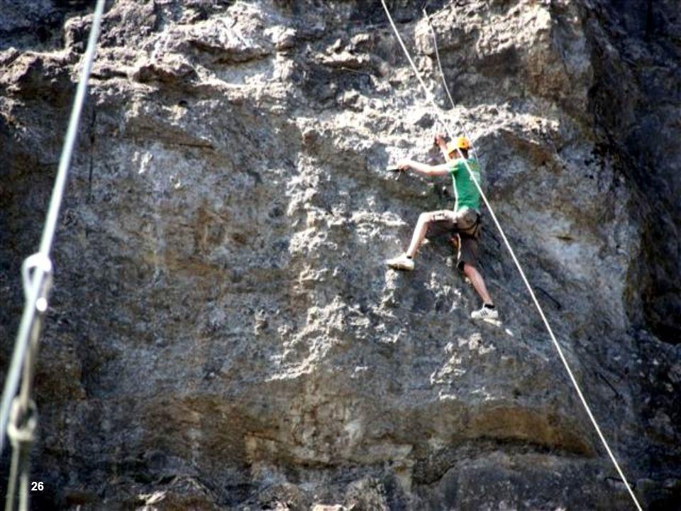 Os mais arrojados podem Praticar rapel , ou escalar paredão. 25