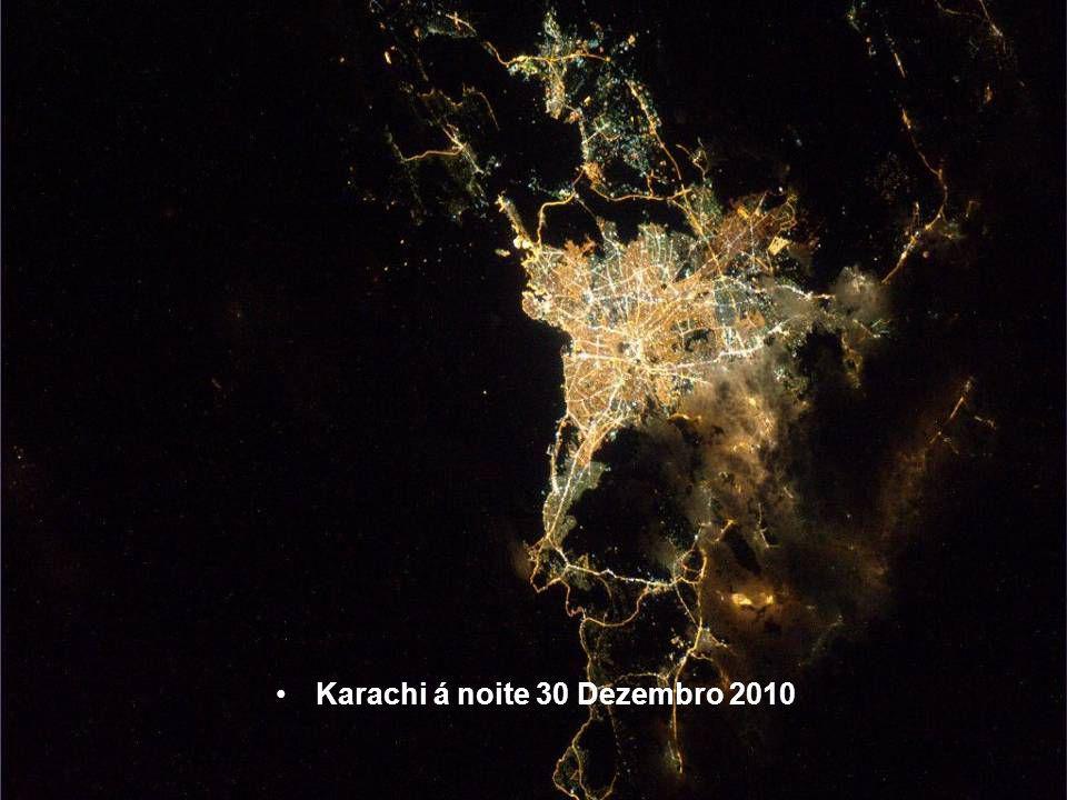 Atenas á noite em 30 Dezembro 2010