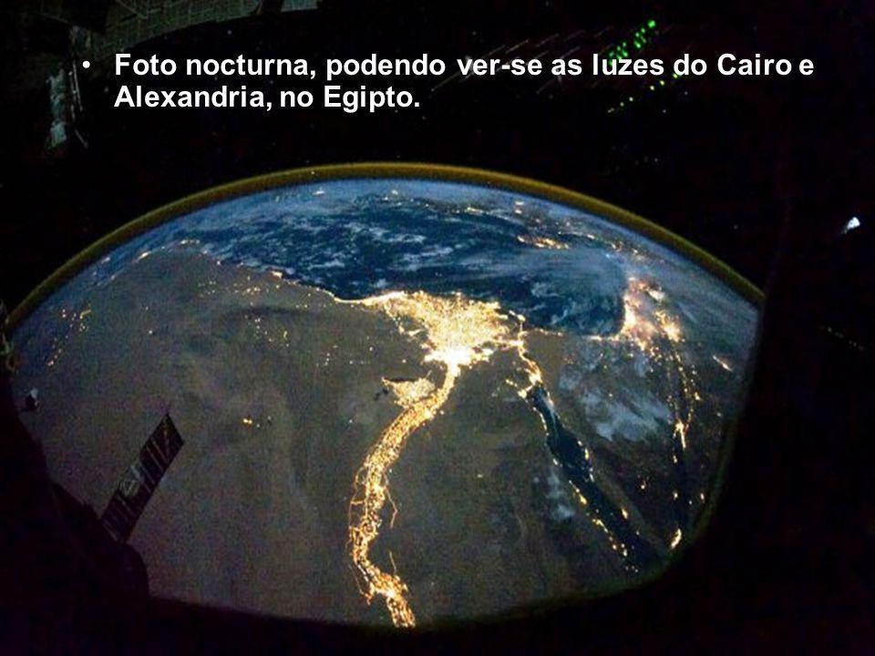 O Nilo e o Egipto á luz do dia.
