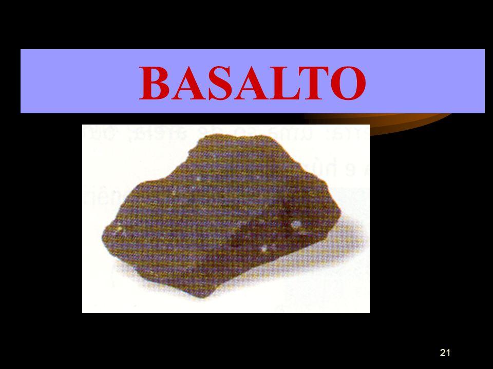 20 AREIA É uma rocha finamente granulada. Usa-se com o calcário para o fabrico do vidro.