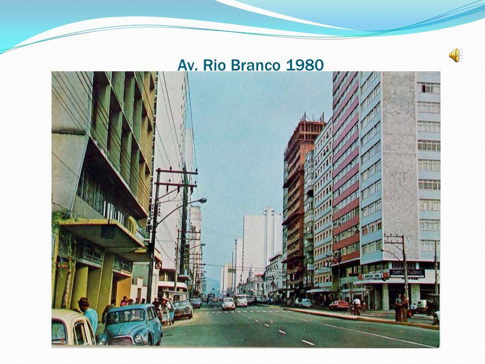 Av. Getúlio Vargas, esquina com Rio Branco Antiga Rodoviária, hoje prédio da CESAMA 1980