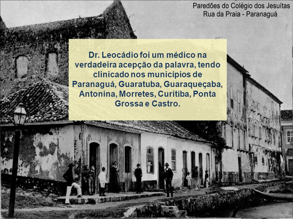 Casou-se na Igreja Matriz de Nossa Senhora do Rosário em Agosto de 1874, com sua prima-irmã Carmela Augusta Cysneiros.
