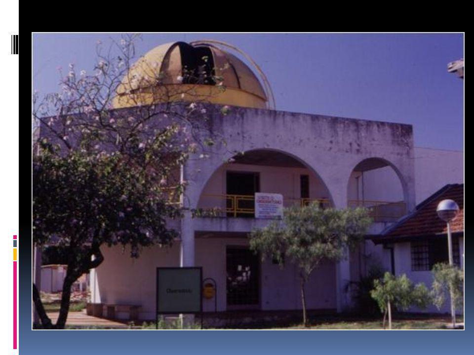 Hale-Bopp Não periódico Última aparição: 1996- 1997 Cometa mais observado do século XX Maior núcleo conhecido (cerca de 50km)