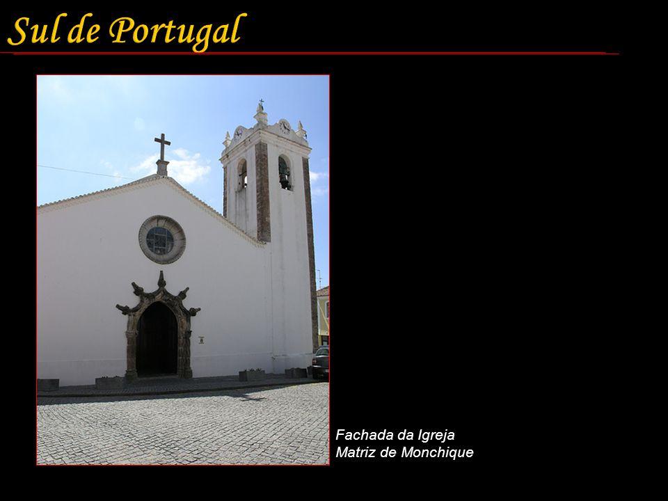 Fachada da Igreja Matriz de Monchique
