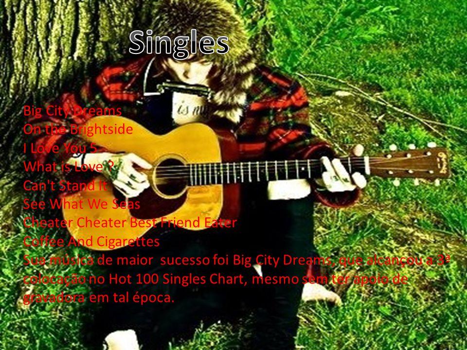 Depois de experimentar alguns nomes, Drew escolheu NeverShoutNever! , para o representar em sua carreira musical.
