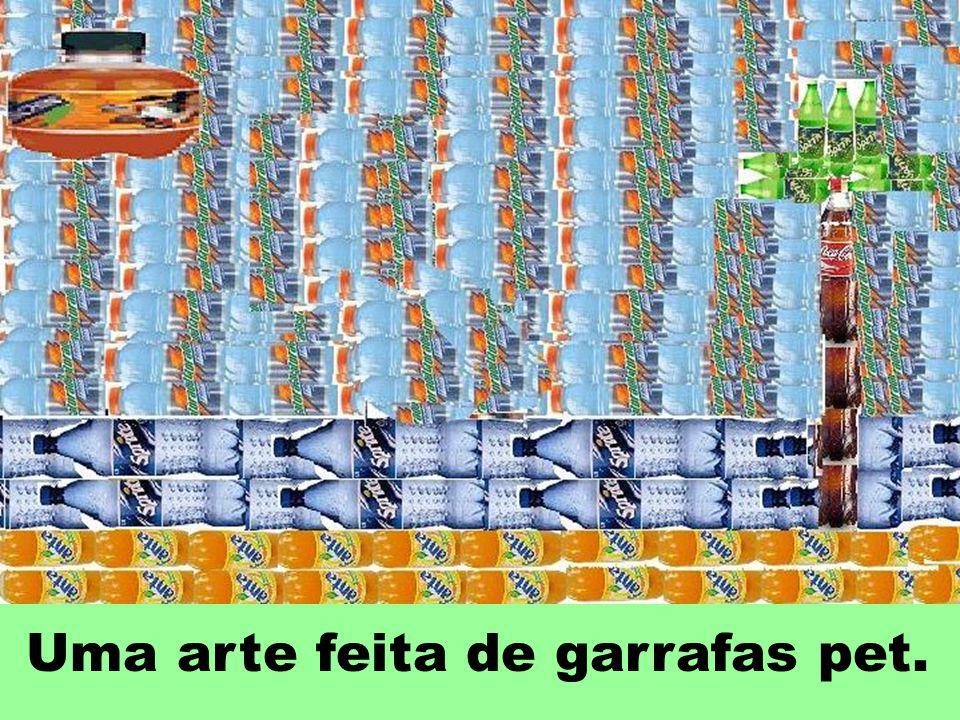 O Brasil produz anualmente cerca de 3 bilhões de garrafas PET que é um produto 100% reciclável.