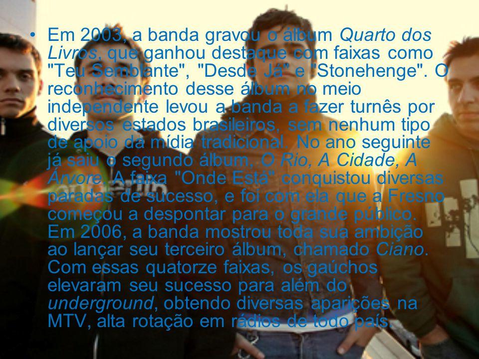 Em 2003, a banda gravou o álbum Quarto dos Livros, que ganhou destaque com faixas como