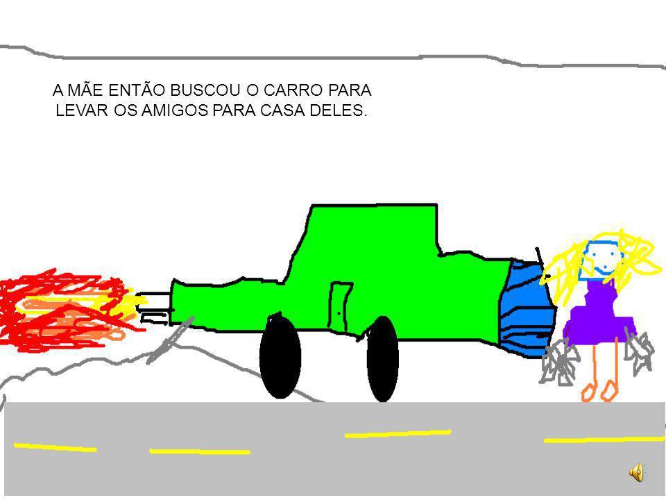 CHEGARAM EM CASA ENCHARCADOS E FORAM TOMAR UM BANHO QUENTE.