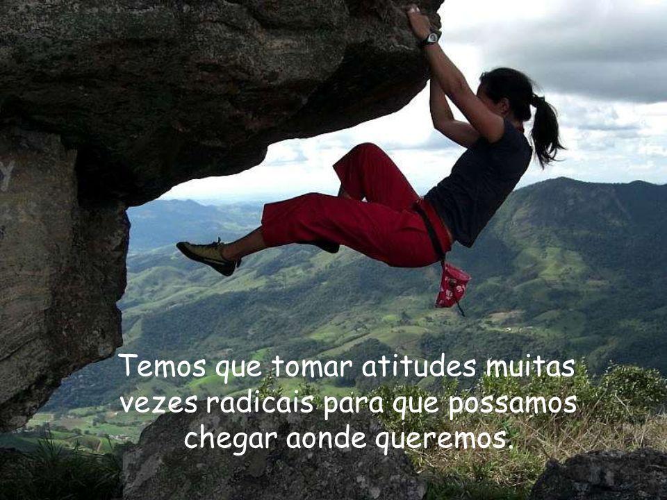 Prof. Salatiel Nascimento Ribeiro Mestre Sala Atitude Atitude é querer fazer, arriscar, se comprometer. As oportunidades vêm e pessoas perdem a chance
