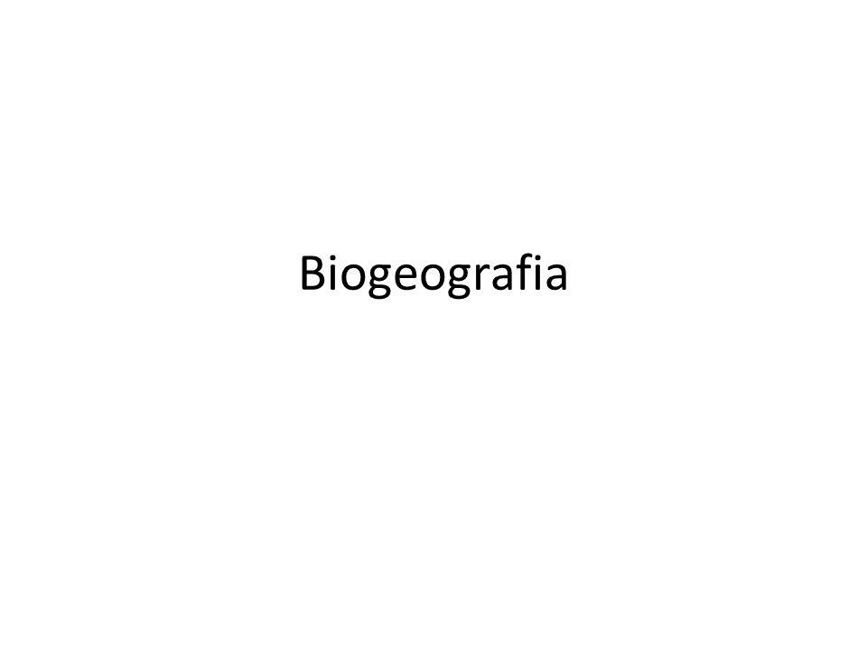 Definição A Biogeografia é a ciência que estuda a distribuição geográfica dos seres vivos, procurando entender padrões de organização espacial e processos que resultaram em tais padrões.