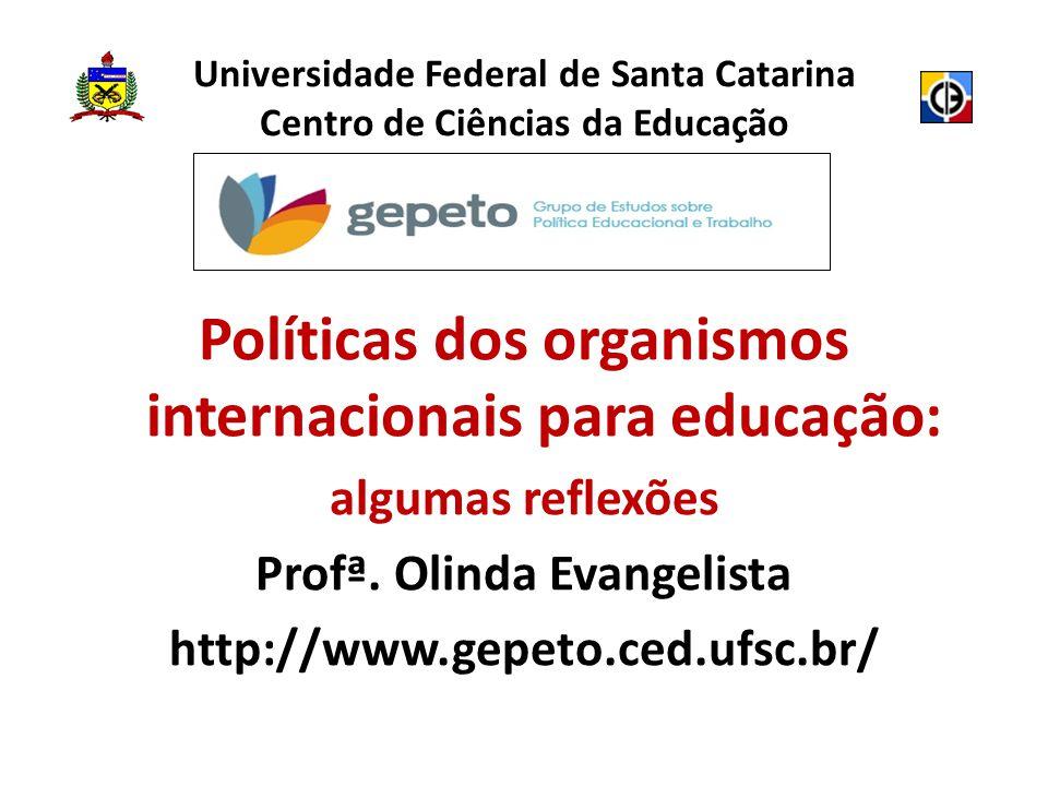 INTRODUÇÃO Governo Lula - pródigo nas políticas para formação do professor no Brasil Professor fundamental – parte importante das políticas educacionais Saga formadora – Estado-educador
