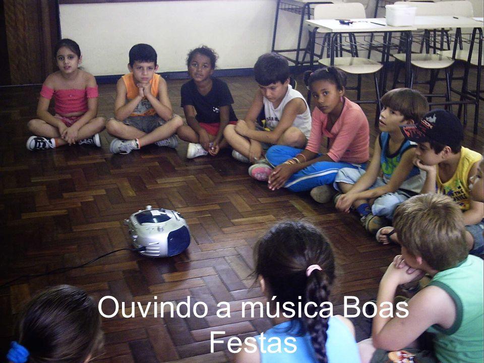 Ouvindo a música Boas Festas