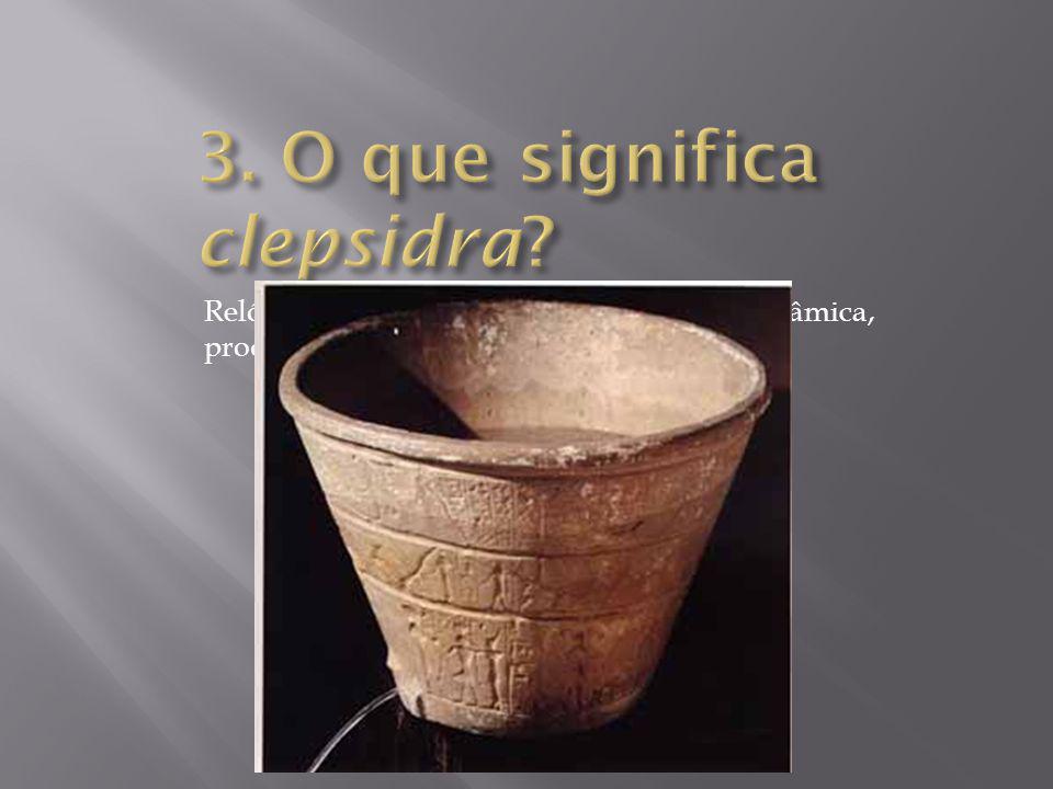 Relógio da antiguidade, feito de pedra ou cerâmica, produzido pelos egípcios.