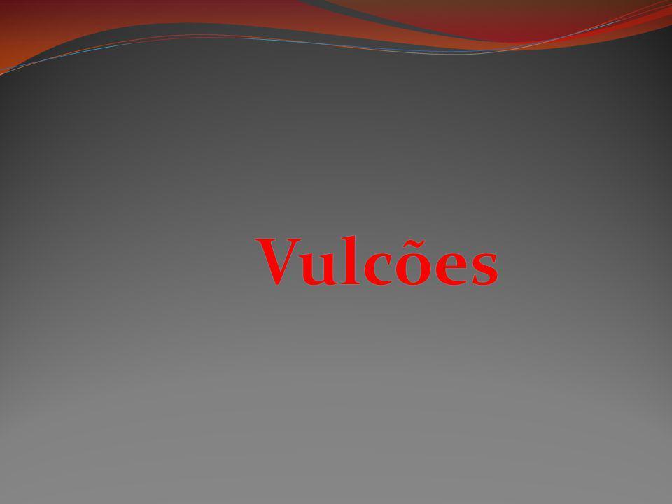 Mais de 1200 metros de altura; Protagonista de uma das mais famosas histórias de vulcões.