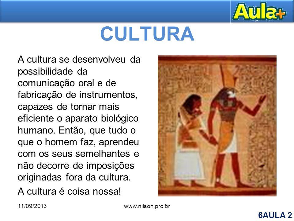 O conceito de cultura e o conceito de humanidade Uma vez parte da estrutura humana, a cultura define a vida, e o faz não através das pressões de ordem material, mas de acordo com um sistema simbólico definido, que nunca é o único possível.