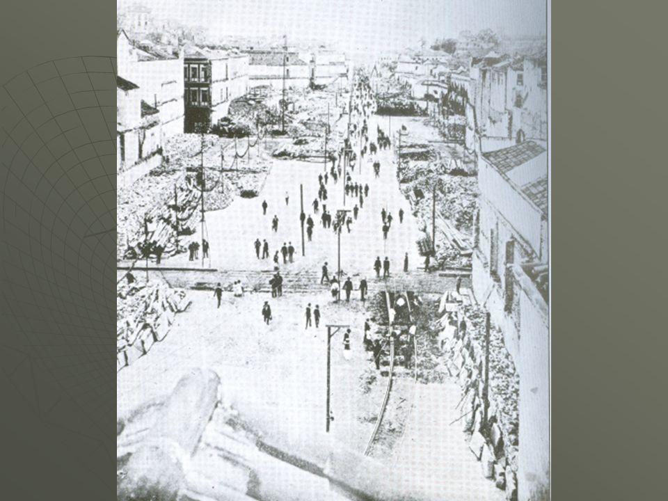 13.nov.1904: Praça Tiradentes virou campo de batalha – luta se estendeu por toda a região entre o largo São Francisco e a Praça da República: descargas de revólver e carabina bondes começaram a ser queimados colunas dos lampiões foram derrubadas barricadas foram erguidas na Av.