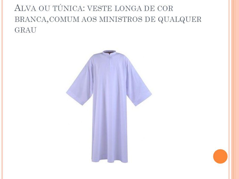CASULA Veste pró-pia do sacerdote que preside a celebração.Espécie de manto que se veste sobre a Túnica ou estola.A casula acompanha a cor litúrgica do dia.