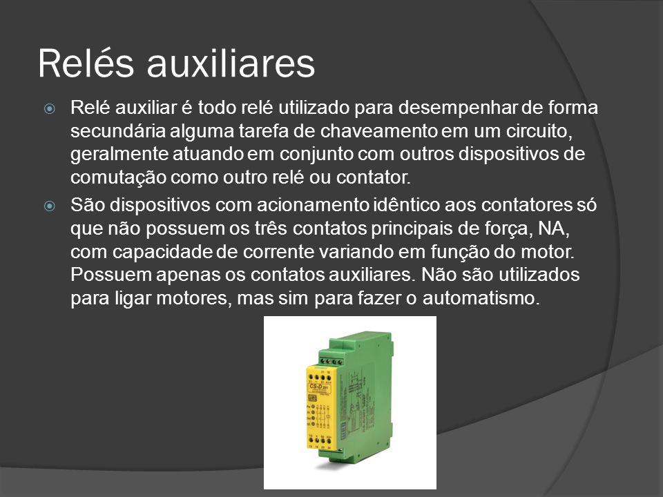 Relés auxiliares Relé auxiliar é todo relé utilizado para desempenhar de forma secundária alguma tarefa de chaveamento em um circuito, geralmente atuando em conjunto com outros dispositivos de comutação como outro relé ou contator.
