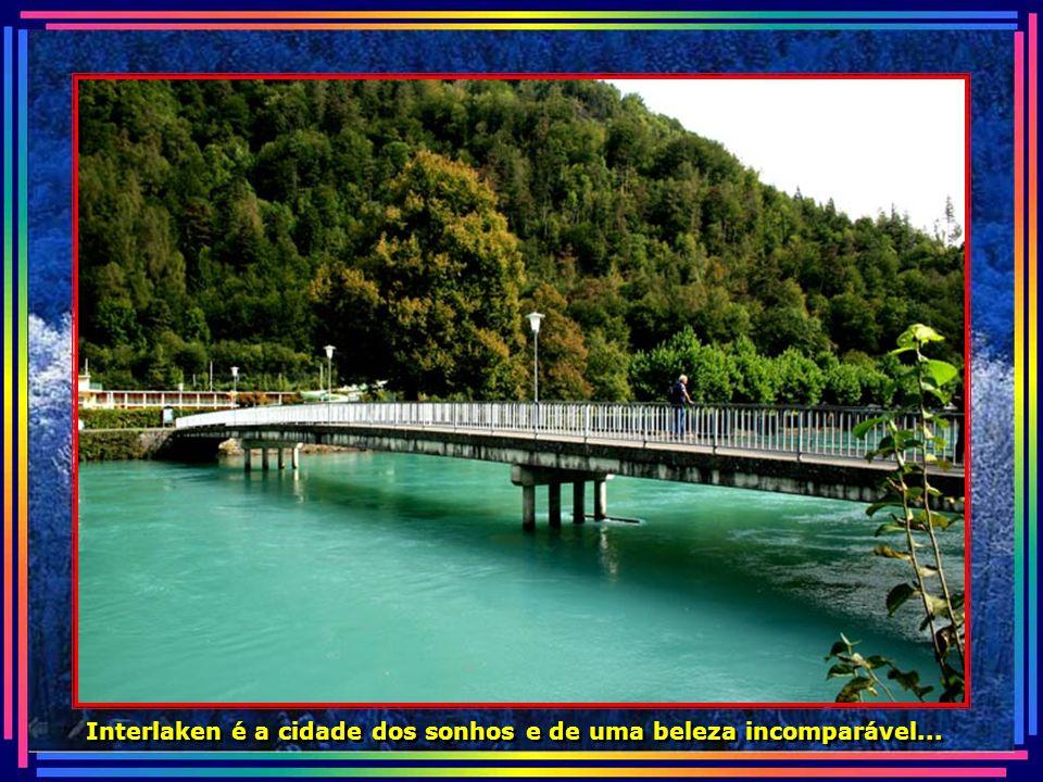 O verde domina a paisagem da pequena cidade de quase 6 mil habitantes.