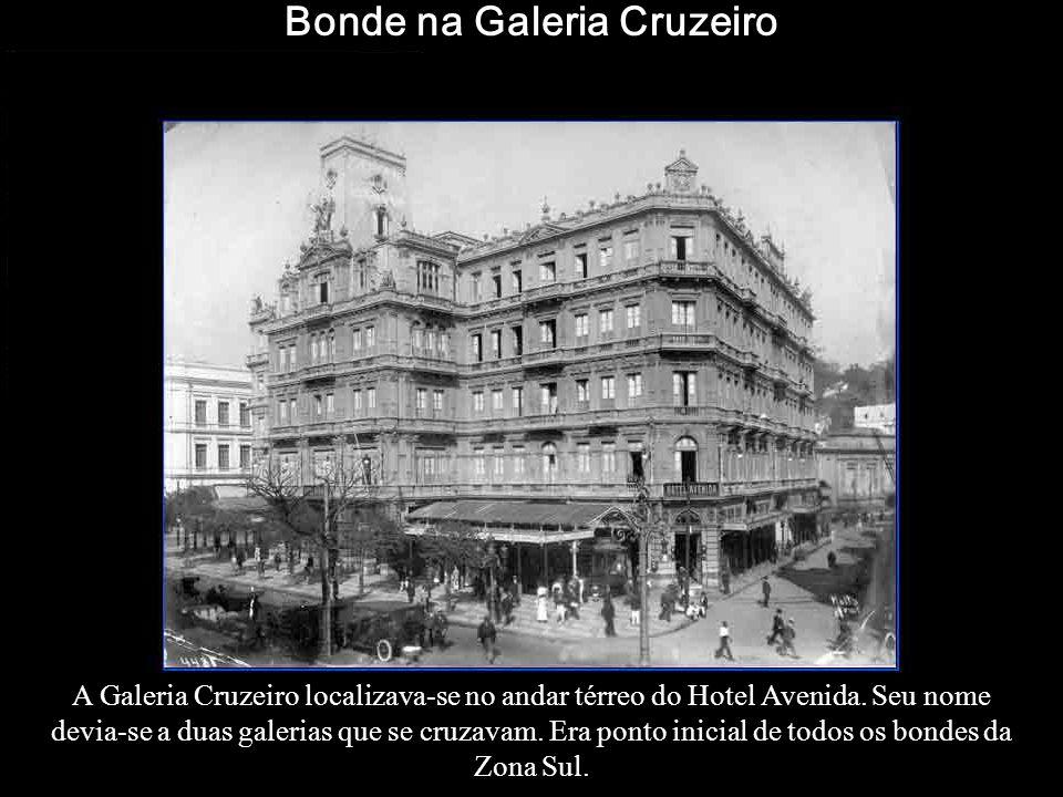 A partir do dia 6 de março de 1908, os bondes da Companhia Ferro Carril Jardim Botânico passam a fazer ponto final no conjunto de prédios da mesma Com