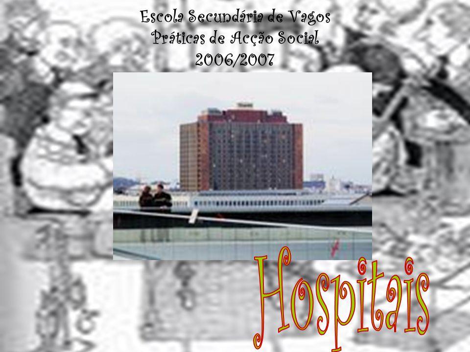 Hospitais… O médico é o profissional autorizado pelo Estado para exercer a Medicina.