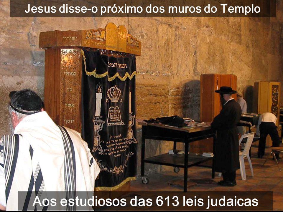 5ª Parte do evangelho de Mateus (c21-25): Teu Rei entra humildemente em Jerusalém À direita: cúpulas do S.to Sepulcro, e à esquerda a cúpula dourada d